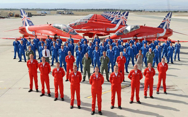 The RAF Red Arrows: Inside the Bubble: The 2014 RAF Red Arrows