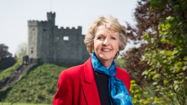 Penelope Keith at Her Majesty's Service