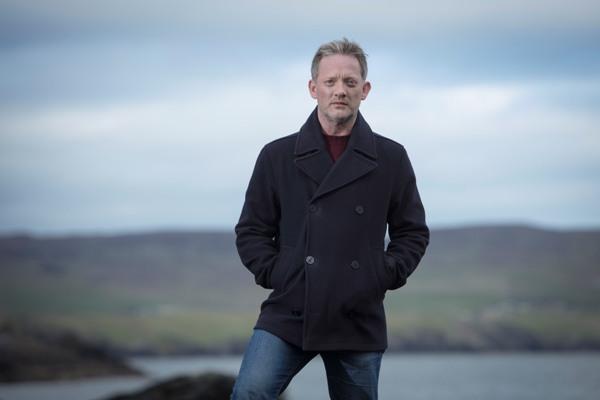 Shetland S4 Douglas Henshall