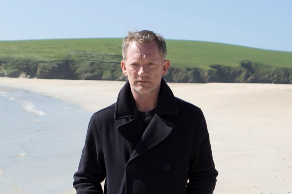 Douglas Henshall as DI Jimmy Perez